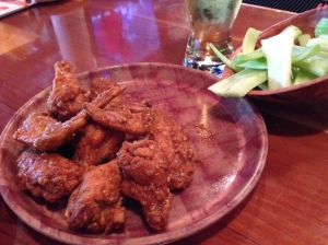 """9-1-1"" wings at Hooters"
